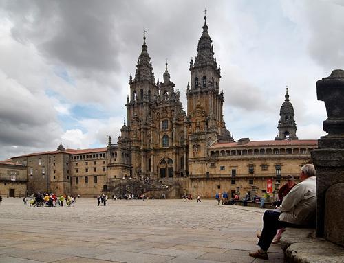 Rutas accesibles ciudades patrimonio de la humanidad for Oficina de turismo santiago de compostela